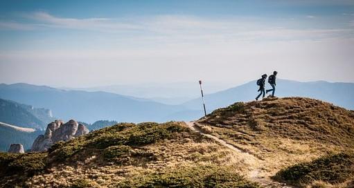hiking-690479__340